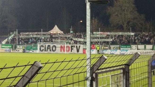 Gästeblock im Karl-Liebknecht-Stadion, BSG Chemie-Fans